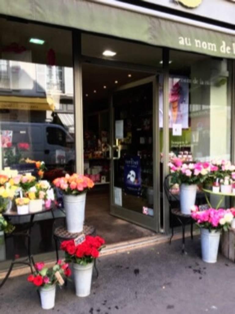 パリ2日目 パリのお花屋さん散策 1パリの薔薇専門店