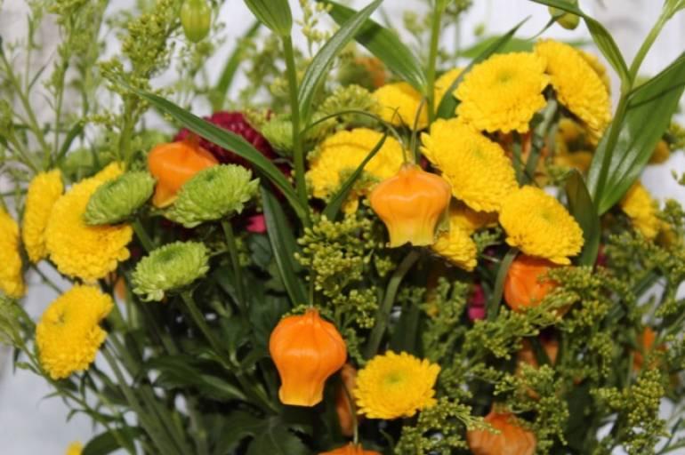 お盆のお花のご依頼いただきました